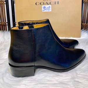 Coach black leather boots🌟Brand New🌟Women 7.5🌟